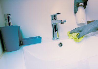 Curatenie grupuri sanitare