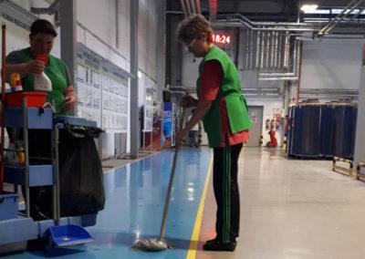 Servicii curatenie hale si depozite